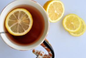 Vitamina C amplifica efectele benefice ale ceaiului verde