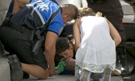 Fotografii dramatice: Cum si-a salvat aceasta femeie nepotul de la moarte - FOTO