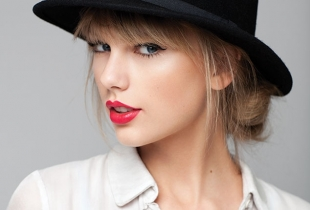 Taylor Swift a lansat un nou videoclip in care joaca rolul unei balerine! Vezi aici Shake It Off - VIDEO