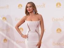 Jenant! Sofia Vergara a ramas in sanii goi, la petrecerea de la gala Emmy - FOTO