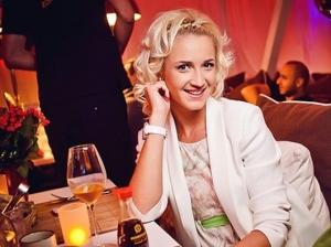 Imagini incendiare cu Olga Buzova! Prezentatoarea s-a dezbracat pentru Playboy - FOTO