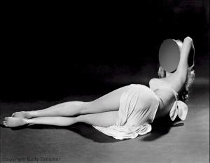Femeia care a aparut pe coperta a 200 de reviste. Cum arata primul supermodel din lume. Diva poza in ipostaze incitante
