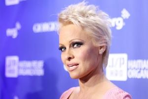 Pamela Anderson ar fi pe moarte. Vestea a fost data chiar de sotul vedetei - FOTO