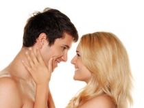 7 semne clare ca iubitul tau adora sa faca sex cu tine. Vezi daca te considera buna la pat