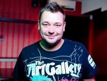 Solistul trupei Ruki Vverh, Serghei Jukov, a devenit tata pentru a treia oara. Ce sotie frumoasa are artistul - FOTO
