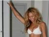 Nu-si mai subtiaza coapsele in Photoshop! Cum arata, de fapt, silueta lui Beyonce - FOTO