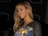 Beyonce, sexy intr-o salopeta exagerat de scurta! Vezi cu ce tinuta a sucit capurile barbatilor - FOTO