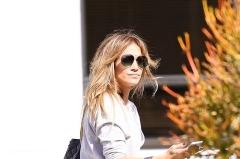 Jennifer Lopez reuseste sa fie o mama de nota 10! Vezi imaginile induiosatoare cu gemenii sai - FOTO
