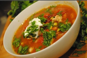 Supa rapida de pui cu porumb si fasole