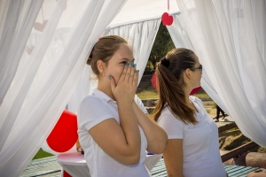 Cele mai originale cereri in casatorie! Trei tineri din Chisinau s-au luat la intrecere - FOTO