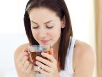 Redu riscul aparitiei de cancer ovarian: Iata ce bauturi trebuie sa consumi