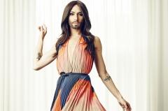 Conchita Wurst este mireasa! Vezi cum arata controversata artista in rochie alba - VIDEO