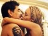 Maradona, surprins cum isi atinge iubita in zona intima! Vezi ce fac cei doi in piscina - FOTO