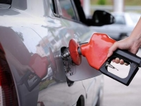 Petrolistii din tara promit ca in doua saptamani vor scadea pretul la petrol: Un baril costa acum si 65 de dolari