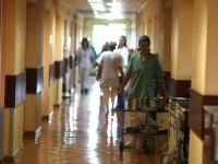 "O familie din capitala, la spital, dupa ce s-a intoxicat: ""Mama si copilul erau inconstienti"""