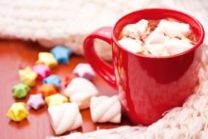 Ciocolata calda cu portocale si scortisoara: Surprinde-ti musafirii cu o bautura delicioasa de Craciun