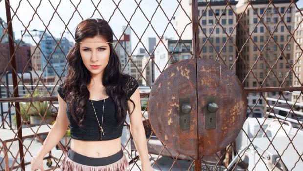 """Angelika Vee a colaborat cu Sasha Lopez pentru noul single! Asculta aici """"Catch You"""" - VIDEO"""