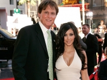 Tatal vitreg a lui Kim Kardashian se transforma in femeie. Afla ce reactie uimitoare a avut familia - FOTO