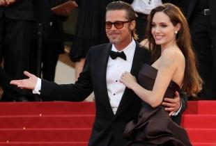 Angelina Jolie si Brad Pitt isi maresc familia!