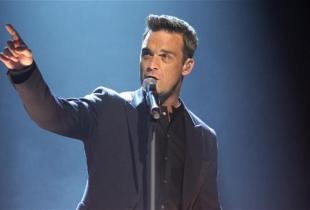 Robbie Williams si-a propus sa RUPA internetul! Vezi fotografia in care apare complet dezbracat! FOTO