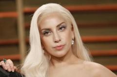 De la blonda la bruneta! Vezi cat de bine arata Lady Gaga cu un nou look - FOTO