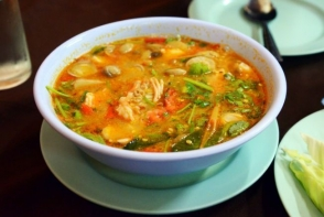 Supa picanta cu varza de Bruxelles