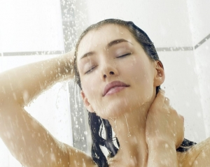 Cum sa eviti acneea. Afla care pot fi cauzele tenului imperfect - FOTO