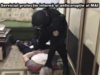 VIDEO. Inca o persoana, RETINUTA. Momentul in care MASCATII descind in casa unui suspect in cazul StarNet