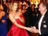Ai grija cu cine dansezi! Fosta iubita a lui George Clooney a ramas in sanii goi pe ringul de dans - FOTO