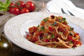 Spaghete cu legume si sos de rosii! O reteta deosebita, de post
