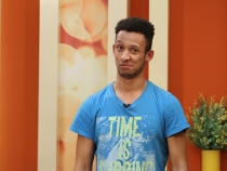 Tanarul interpret si actor, Roman Zes si-a lansat prima piesa! Afla cum si-a adunat bani pentru aceasta melodie - VIDEO