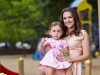 La doar doi anisori pozeaza ca un adevarat model. Sorina Obreja si micuta Emilia, intr-un pictorial exceptional - VIDEO