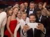 La Festivalul de la Cannes se vor interzice pozele selfie! Afla motivul acestei decizii - FOTO