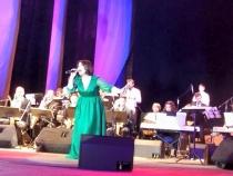 Geta Burlacu, alaturi de 44 de instrumentisti! Vezi ce atmosfera e la grandiosul spectacol de jazz - VIDEO