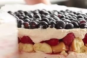Un tort, gata in doar patru minute - VIDEO