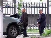 Un microbuz de ruta, accidentat pe strada Bucuresti! La fata locului si-au facut aparitia si cativa activisti de la Partidul Nostru - VIDEO