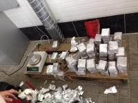 Captura impresionanta de droguri la vama Leuseni: Vamesii au descoperit in jur de 22 kg. de opium intr-un autocar care venea din Portugalia - FOTO