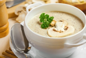 Invata sa prepari cea mai gustoasa supa crema de ciuperci