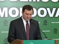 PLDM si PPEM indeamna alegatorii sa voteze pentru Dorin Chirtoaca. Vlad Filat a evitat insa sa pronunte numele candidatului liberal - VIDEO