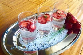 Irina Negara iti propune Lemon Lavender Spritzer with Strawberries