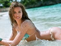 Irina Shayk, cel mai sexy pictorial de pana acum! Vedeta a pozat goala - FOTO