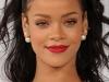 Cu sanii la vedere si fara machiaj! Vezi cum a fost surprinsa Rihanna - FOTO