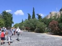 """Problemele grecilor nu ii afecteaza pe turistii moldoveni: """"Totul e calm si linistit. Politica nu ne-a afectat"""" - VIDEO"""