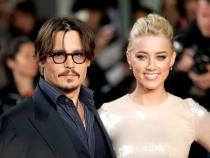 Sotia lui Johnny Depp, cu sanii la vedere la bratul celui mai sexy barbat din lume. Vezi cum a fost fotografiata - FOTO