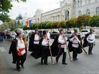 Parada portului popular, marcata in capitala: Ansambluri folclorice din Europa, invitate la eveniment
