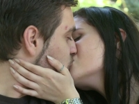 Un simplu sarut elimina stresul si arde calorii. Ce a insemnat ziua de luni pentru cuplurile din toata lumea