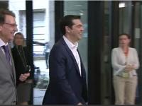 Grecii NU au venit cu propuneri noi la intalnirea Eurogrup. Tsipras s-a intalnit cu Merkel si Hollande inainte de Summit - FOTO si VIDEO
