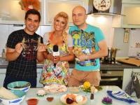Cea mai sexy femeie din Moldova a acceptat o provocare culinara deosebita. Vezi daca s-a descurcat - VIDEO