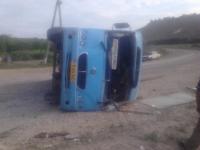 Microbuz RASTURNAT in Floresti. Sase pasageri au ajuns la SPITAL. Care ar fi fost CAUZA accidentului- FOTO