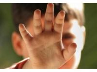 TULBURATOR: Doi minori si un tanar de 20 de ani au agresat SEXUAL alti doi copii. Vinovatii, CONDAMNATI